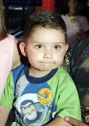 <b>16 de julio 2005</b><p> El pequeño Óscar Gosserez Colchado, captado el día de su festejo.