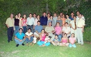 Don Alfredo Lugo González celebró sus 80 años de vida con su familia.