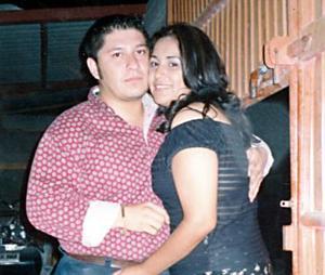 José Milton Navarro Castañeda y Baetzaida Nuyevi Argumedo Flores.