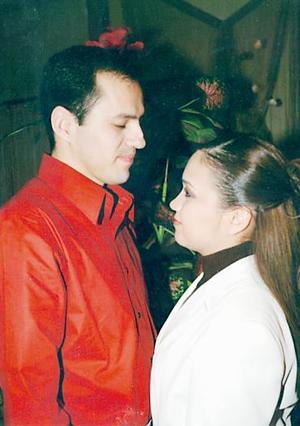<b>16 de julio</b><p> Agustín Mendoza del Río y Blanca Estela Villela de Santiago.