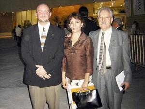 <b>16 de julio 2005</b><p> Ángel de la Campa, María de la Luz Martínez de Méndez e Ignacio Méndez.