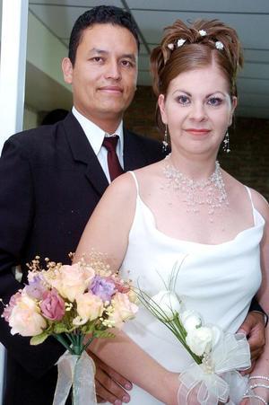 Arturo Ávila Jaramillo y Yazmín Castillo González contrajeron matrimonio civil, el sábado 18 de junio de 2005.
