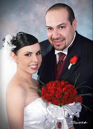 L.A.F. Jesus Ávila Ramírez y L.A.F. Rocío Liliana García López contrajeron matrimonioa religioso el sábado 18 de junio de 2005  <p> <i>Estudio: Sosa</i>