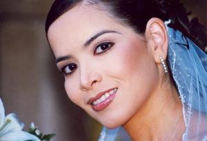 Srita. Alicia Margarita Quiñonez Escudero, el día de su enlace matrimonial con el Sr. Juan Pedro Ayala Morales. }