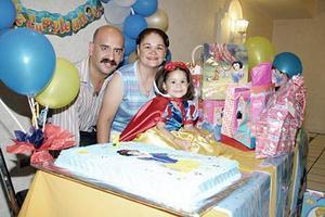 Andrea Mota Soto disfrutó de una divertida fiesta de cumpleaños que le organizaron sus papás, Gerardo Mota Valdés y Sandra Leticia Soto de Mota.
