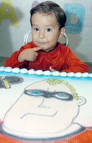 El pequeño Ángel Andrés Martínez Sánchez cumplió tres años de vida y fue festejado por sus papás, con una merienda.