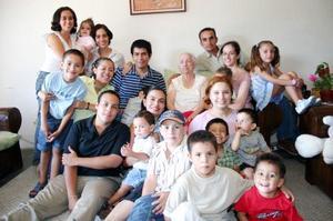 Familias Rojas Valdés, Hoyuela Ruvalcaba, Jiménez Ruvalcaba, Quezadas Valdés, Quezadas Navejas, Valdés Martínez, Ruvalcaba Valdés, Valdés Herrera y Valdés Hoyuela.