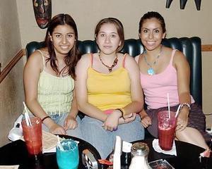 Perla Sánchez, Mónica Orozco y Ana Flores.