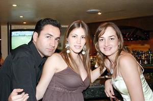 Horacio González, Ana Máynez de González y Ana Laura González .