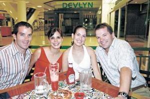 Beto Herrera, Laurencia González, Ileana de Jalife y Fernando Jalife.