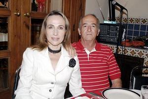 Carmen de Hermosillo y Luis Hermosillo.