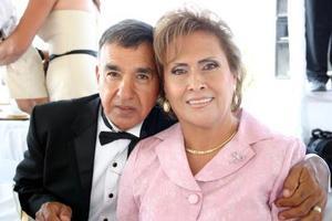 Jesús Emiliano Valenzuela Casas y María del Carmen G. de Valenzuela.
