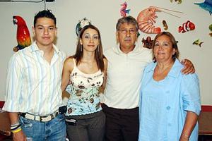 Mario Silva, Kenia de Silva, Valdemar García y Elsa de García, en pasado acontecimiento.