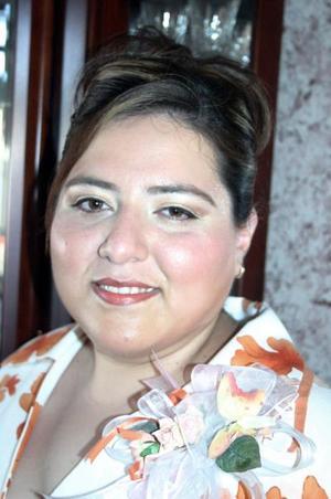Patricia Fuentes Ruelas celebró su cumpleaños recientemente con una fiesta, a ls cual asistieron sus amistades y familiares para felicitarla.