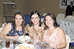 Diana, Gabriela y Marisa EStavillo Fuentes.