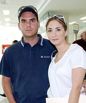<b>20 de julio 2005</b><p>  Alejandro Sánchez y Brenda González viajaron a Cancún.