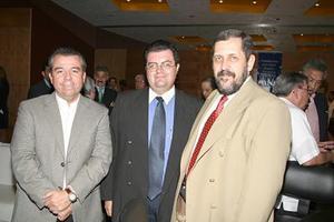 Armando Carlos, Juan Manuel Tirado y Carlos Fernández.
