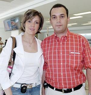 Fernando Yarza y Mary Tere de Yarza viajaron a Cancún.