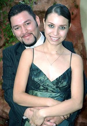 <b>22 de julio</b><p> Saúl Ramírez Escobedo y Susana Marcela Vargas hoy unirán sus vidas en el sacramento del matrimonio.