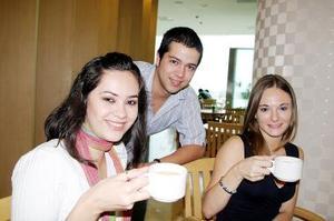 Alicia Ganem, José Luis Villarreal y Selene Guglielmi.