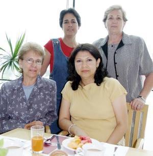 Esther Alicia Maycote, Imelda Castro, Isabel de Zuñiga y Ana Elisa de Lastra.