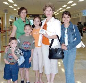 Sofía, Estefanía, Alan, Diego, Sofía y Ramona viajaron a Baja California.
