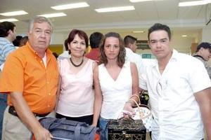 Vicente Ríos, y Sra., Delfino Ríos y Sra.