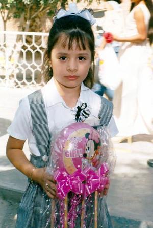 Helen Castellanos Vázquez, en su graduación del jardín de niños Manuel M. Ponce.