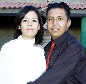 Ana Gabriela  Montañez y Enrique Esaú Ortiz disfrutaron  de una despedida de solteros.