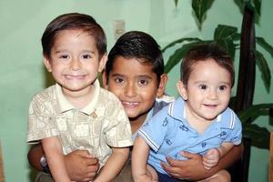 Alexis Daniel, Bryan Alejandro y Gael Alexander Rojas López.