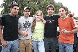 Enrique Monroy, Miguel Murra, Isabel Negrete, Andrés Fernández y Lalo Reyes.