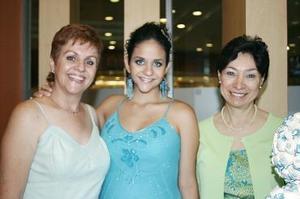 Lilia Fahur y Ana Isabel Mexsen le organizaron en días pasados una bonita fiesta de canastilla a Fabiola Mexsen de Fahur.