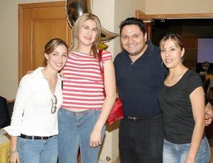 Lupita Arzoz, Martha Chávez, Omar Ávila y Nadia Cruz.