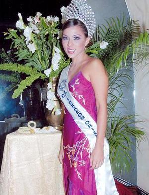 Mey Yein Chiw Chávez, reina del Club Rotario Torreón Oriente.