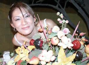 Cynthia Yolanda Onofre disfrutó de una fiesta de despedida en días pasados.