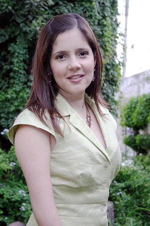 <b>26 de julio 2005</b><p>  Scarlett Murra Papadópulos unirá su vida en matrimonio a ls de Alan Ganem Pérez, el próximo cinco de agosto.