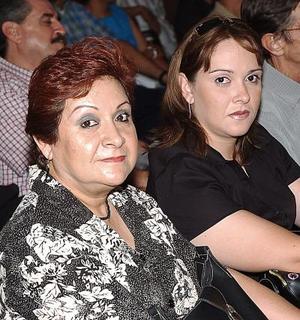 Angélica Moreno y Angélica R. de Marcos.