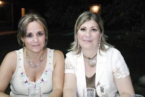Guadalupe Valdés y Blanca Garza.