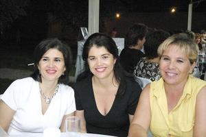 <b>24 de julio 2005</b><p> Nena Díaz de León, Lolo Cepeda y Carmen Adame.