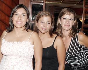 Analía Cortes, Adriana Anaya y Bertha Alvarado.