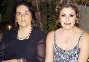 Eugenia Díaz de León y Emma Díaz de León.