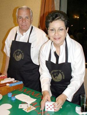 Fernando González La Fuente y Laurencia Martínez de González.