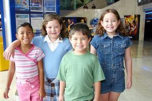 <b>27 de julio 2005</b><p> Paola, Andrea, Manuel y Nelly Estrada.