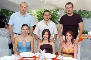 Abel y Victoria Alfani, Elías y Ana Orozco, Jorge y Sofía Marcos.