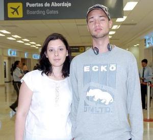<b>29 de julio 2005</b><p>  Robiv Yves y  Riot Awisow viajaron con destino a Francia.