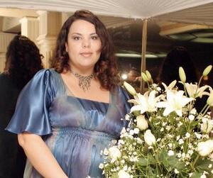 <b>29 de julio 2005</b><p> Humaya Betancourt Cortés espera el nacimiento de su bebé, y en días pasados le ofrecieron una fiesta de canastilla.
