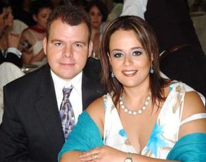 <b>28 de julio</b><p>  Carlos Silos y Alejandra de Silos.