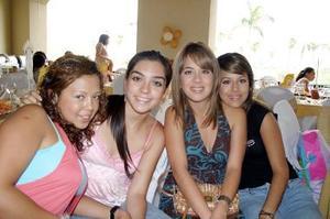 <b>29 de julio 2005</b><p> Adriana Pastrana, Elizabeth Gómez, Tanya León y Daniela León.