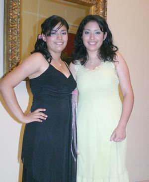 <b>30 de julio 2005</b><p> Martha y Nelda Niño de los Santos.