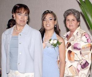 Anna Diz Jiménez con su mamá, María Teresa Jiménez de Diz y su suegra, Carmen Escandón de Calleja.